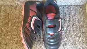 Soccer cleats, girls (size 2) London Ontario image 1