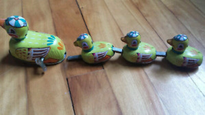(x5) BIRD TIN TOYS-$10 and up-moveable