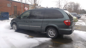 Chrysler 2002 town and country for sale.