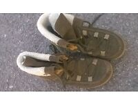 Merrel boots size 6