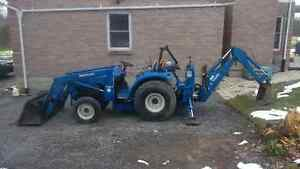 1998 New Holland 1925 Tractor with Loader and Backhoe