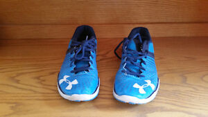 SIZE 10 BLUE UNDER ARMOUR RUNNING SHOES