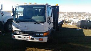 Like new, Hino FB with hydraulic tailgate lift and much more