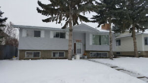 Whitehorn full 5 Bed house with suite, DBL Garage, fenced
