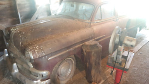 Selling a 1953 Pontiac chieftan barn find