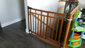 Banister & stair baby security gate