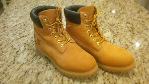 TIMBERLAND  INSULATED BOOTS