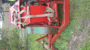 FARM EQUIPMENT/ANTIQUES