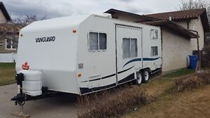 2002 Vanguard 24' Camper With bunks and Slide out