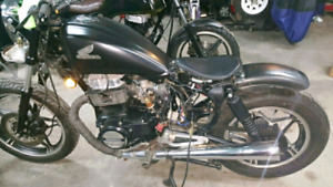1983 Honda CB450 twin Bobber project engine running