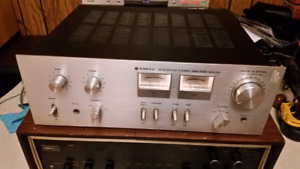 Sanyo stereo amplifier
