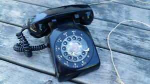 Vintage Rotary Dial Desk Telephone – Black