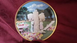 """PRECIOUS MOMENTS """"Thee I Love"""" Collector's Plate"""