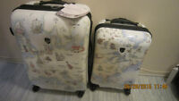 Heys 2 piece luggage set.