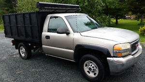 2002 GMC 2500 Pickup Truck Dump Box / Flat Deck