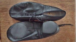 Boch Dance shoe size 7.5 split sole