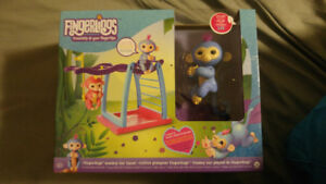 Bnib fingerling with playset