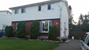 4 BDRM STUDENT ROOMS / FAMILY HOME - NEGOTIABLE RENT