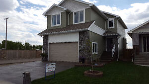 Better Than New!  Large Riverstone 2 Storey