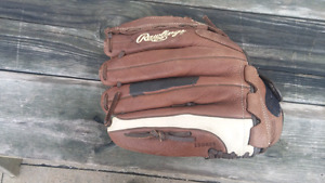 Rawling Ball Glove