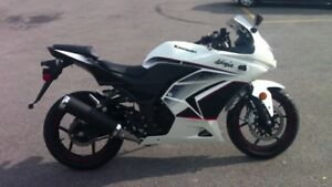 2011 Ninja 250R Special Edition MINT   REDUCED