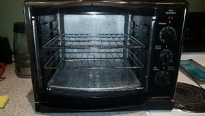 Hamilton Beach Convection Counter Top Oven with Rotisserie