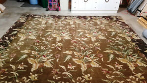Oriental Weavers Windsor LG 12 x 15 Area Rug Excellent Condition