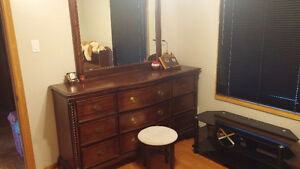 Room Rent for FEMALE RESIDENTS- close to Western(all inclusive) London Ontario image 2