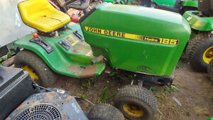 PARTING OUT**JOHN DEERE 185 LAWN TRACTOR