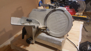 Omcan food slicer industrial / trancheuse d'aliment industrielle