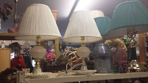 2 SMALL RETRO PLASTIC LAMPS