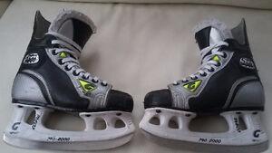 Patin de hockey junior Graf Supra 301 grandeur 2.5.