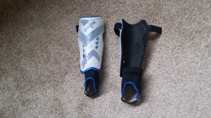 strike euro shin guards small size