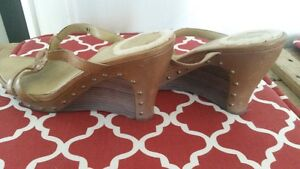 UGG Wedge Sandals - Size 8 - AWESOME!!