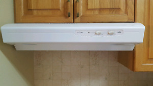 Allure by broan range hood excellent condition