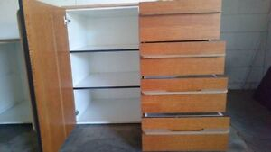Urgent/ Kitchen cabinet with four rows Yeerongpilly Brisbane South West Preview