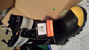 Men's winter work boots Cambridge Kitchener Area image 1