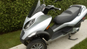 Scooter mp3 par Piaggio Vespa 250 cc