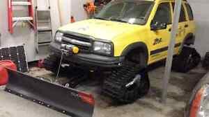 2004 Chevrolet Tracker ZR2 on Camoplast Tatau 4S Tracks