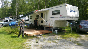 Trailer in silver pine sparrow lake park