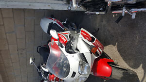 1997 yamaha YZF 750 for sale Price DROP MUST GO