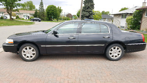 2006 Lincoln Town Car Executive L Series with Propane Installed