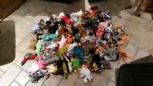 Massive Lot of TY Beanie Babies and Buddies Windsor Region Ontario image 3