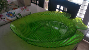 Come here FIshy Fishy... Fabulous Large Green Plastic Platter