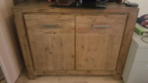 Buffet ou armoire / Sideboard or storage unit Structube