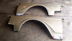 1969-1971 Lincoln Continental Mark III FRONT FENDERS ORIGINAL ON