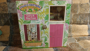 ***WOW***REDUCED! CALICO CRITTERS PLAYHOUSE CARRING CASE