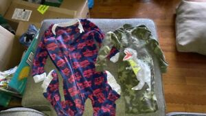One piece footed pjs (4T)
