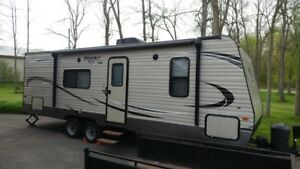 Like new 2016 Keystone Hideout 262 LHS private sale