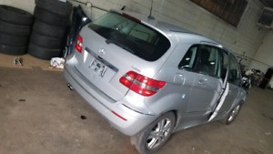 Mercedes-Benz B200 PART OUT
